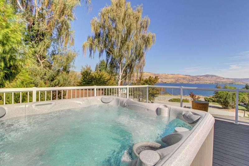 Enjoy incredible lake views and a private hot tub from this amazing home - Image 1 - Chelan - rentals