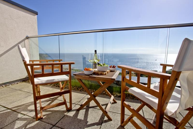 Apartment 11, Gara Rock located in East Portlemouth, Devon - Image 1 - East Portlemouth - rentals