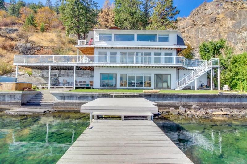 Lakefront w/ three levels, hot tub, dock, and great views - dogs OK! - Image 1 - Chelan - rentals