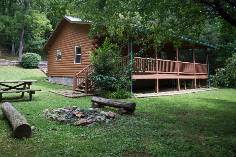 Fox Creek Hillside Cabin - FOX CREEK HILLSIDE CABIN in the Smokies - Bryson City - rentals