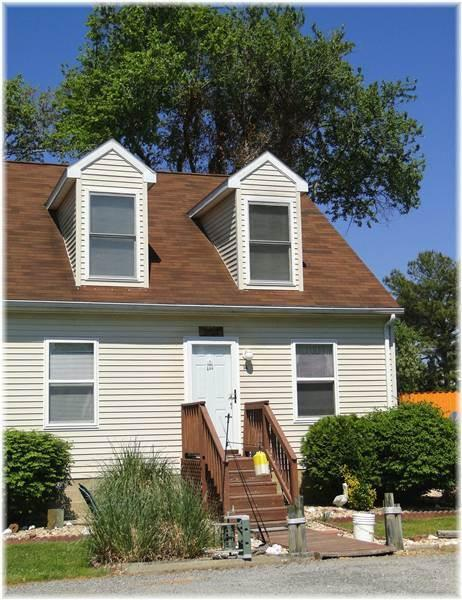 Lighthouse View Townhouse - Image 1 - Chincoteague Island - rentals
