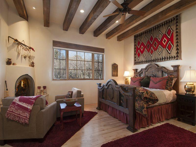 Adobe Dream- master suite with king bed and working, kiva fireplace - Two Casitas - Adobe Dream - Exquisitely decorated, light filled and spacious. - Santa Fe - rentals
