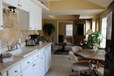 View from Front Door - The Royal Palm Cottage - Fort Myers Beach - rentals