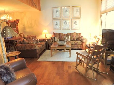 Woody Sunny Townhouse on Golf Course 2bd/huge loft - Image 1 - Mammoth Lakes - rentals