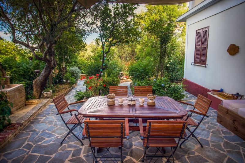 Private pation with garden view - Cosy villa with private garden - 110m²  - sleeps 4 - Zakynthos - rentals