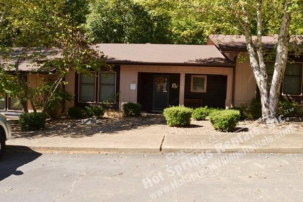 23TomiLn     Townhome   Sleeps 4  Wi-Fi Access - Image 1 - Hot Springs Village - rentals