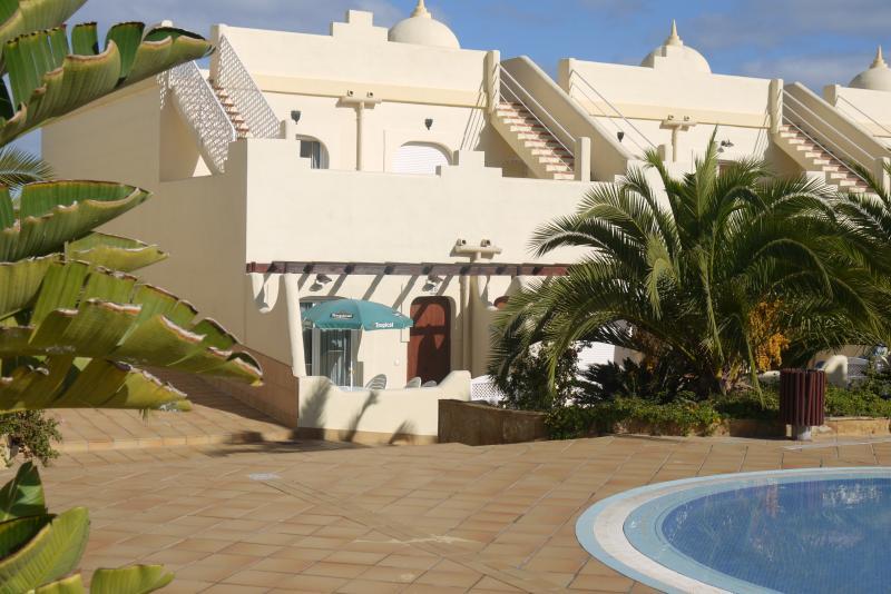 End Terrace Villa with Green Brolley  - Pool Facing 3 bed house El Sultan - Corralejo - rentals
