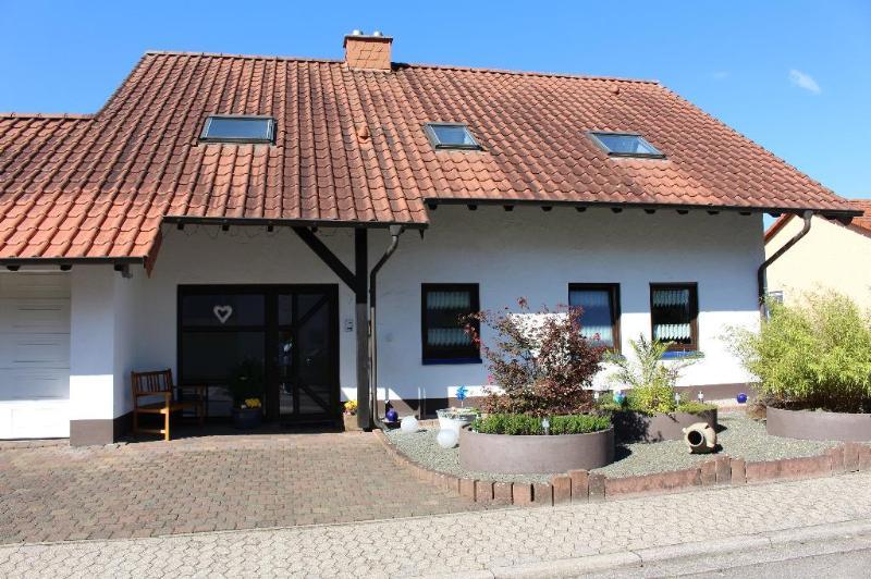 LLAG Luxury Vacation Apartment in Sankt Wendel - 646 sqft, clean, quiet, modern (# 4618) #4618 - LLAG Luxury Vacation Apartment in Sankt Wendel - 646 sqft, clean, quiet, modern (# 4618) - Saint Wendel - rentals