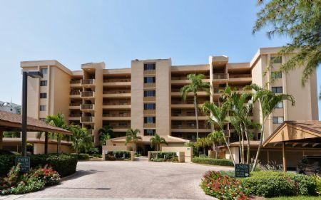 Building # 4 (this unit is top floor) - Chinaberry 474 - Sarasota - rentals