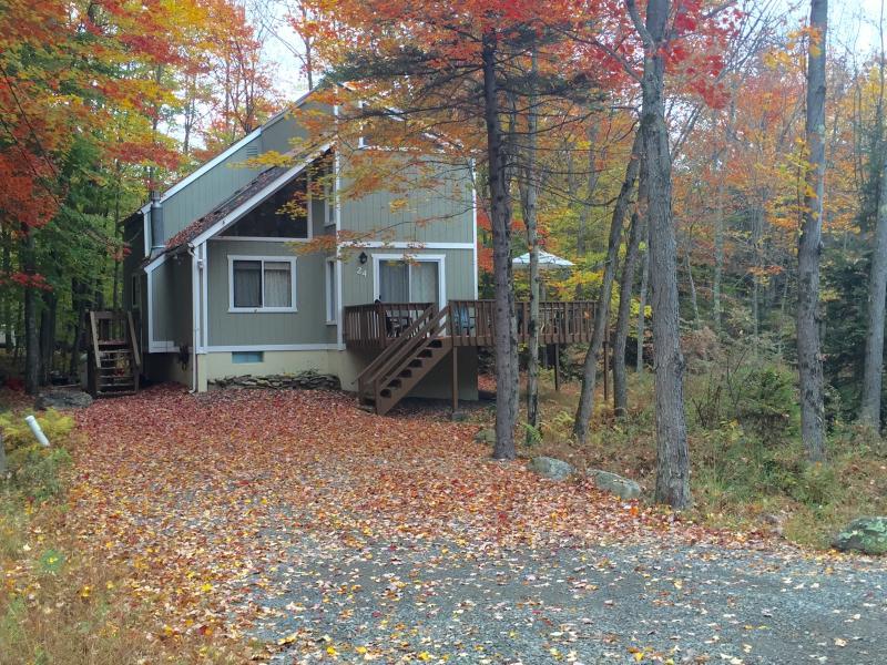 Brilliant fall foliage surrounds the home - Peaceful Pocono Lake Retreat ~ Fplc, Fpit, Wifi - Pocono Lake - rentals