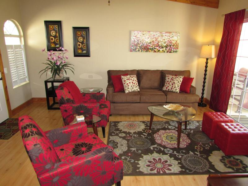 Comfortable and stylish living room. Sofa is a pull out sleeper! - Picture perfect condo WiFi at Mesquite CC pets ok - Palm Springs - rentals