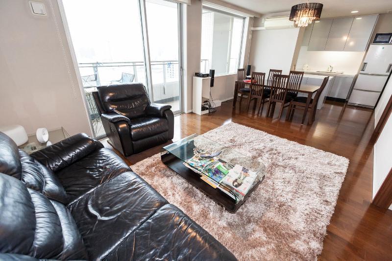 Living Room - #1-Beautiful Tokyo Bay, Mt.Fuji, Odaiba,Ginza view - Chuo - rentals