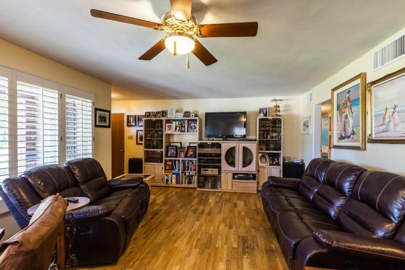 Scottsdale/Phoenix 3 bedroom 3 bath with jacuzzi - Image 1 - Phoenix - rentals
