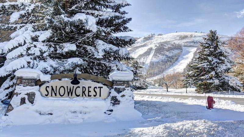Location Location Location! Large upgraded condo great reviews - 3 min walk to Park City ski lifts - Park City charmer 300 yards to 3 ski lifts sleep 6 - Park City - rentals