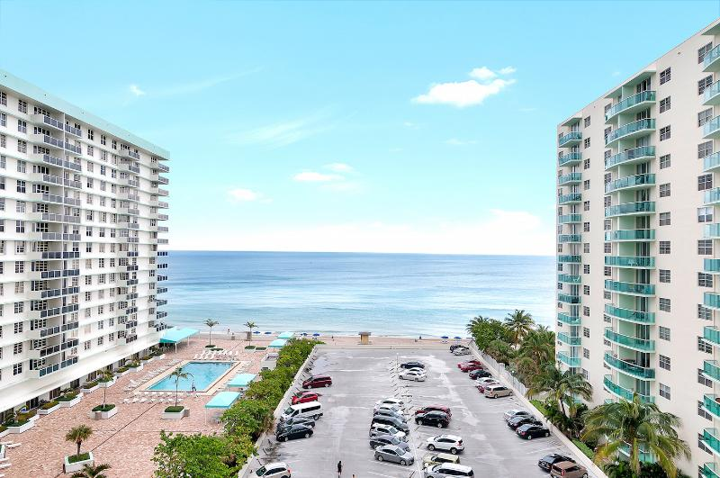 Amazing 2 Bedrooms + 2 bathroom on Hollywood Beach - Image 1 - Hollywood - rentals