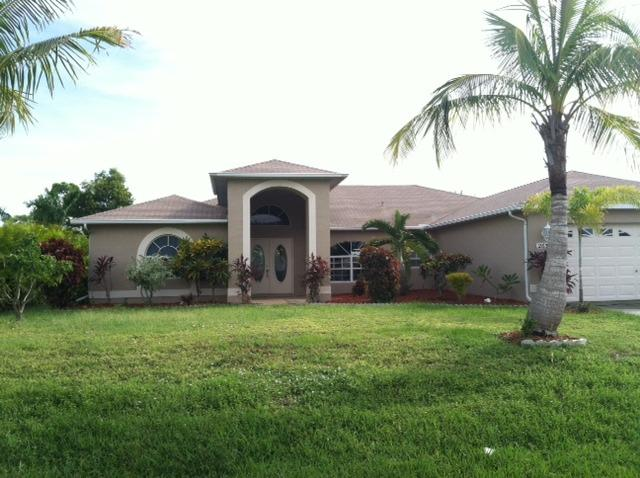 Beautiful home with over 2000 sq. Feet of living space~ - Paradise in Cape Coral II- Luxurious Private Pool - Cape Coral - rentals