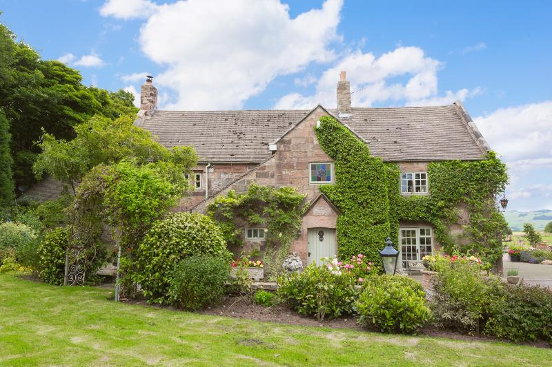 Rowley Farmhouse - Image 1 - Leek - rentals