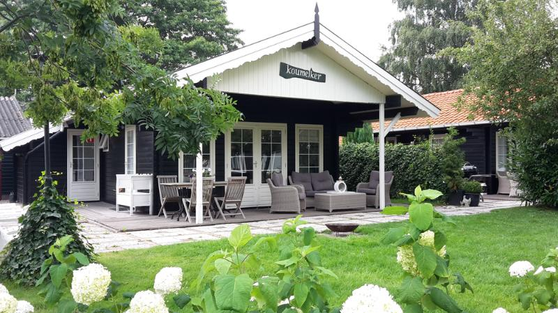 Charming cottages on the waterfront - Image 1 - Terherne - rentals