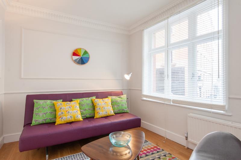 uberlondonapartments - lounge seating - Trafalgar House 1 - London - rentals