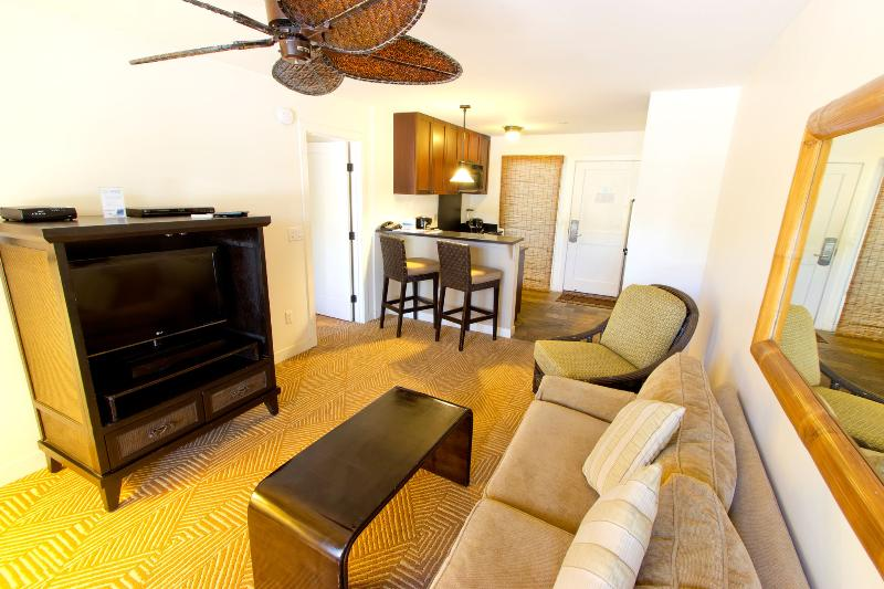 Living Room - Ground Floor 1BR! Walk to Front Street; Lahaina! - Lahaina - rentals