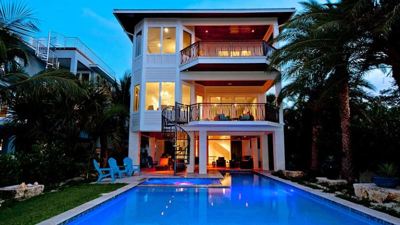 View of the Rear of the House - Jewel of the Bay: 4BR INCREDIBLE Waterfront Home - Anna Maria - rentals