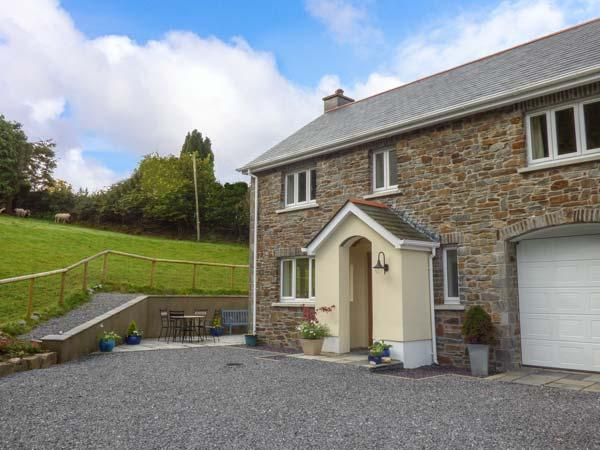 PENALLT-ISAF, country cottage with woodburner, WiFi, patio, Llanarthney, Carmarthen Ref 930052 - Image 1 - Carmarthen - rentals