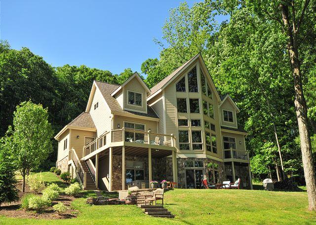 Exterior - Exceptional 5 Bedroom on Premiere level lakefront! - Oakland - rentals