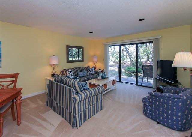 Living Area - 143 Greens - Cute 2 bedroom Shipyard villa just steps to the beach! - Hilton Head - rentals