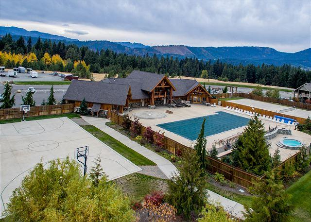 Roslyn Ridge Activity Center Opens May 14th to Mid Sept ($7per person) - Secluded~4BD Rambler |Slps10| Hot Tub,Game Room, 3rd Nt Free - Cle Elum - rentals