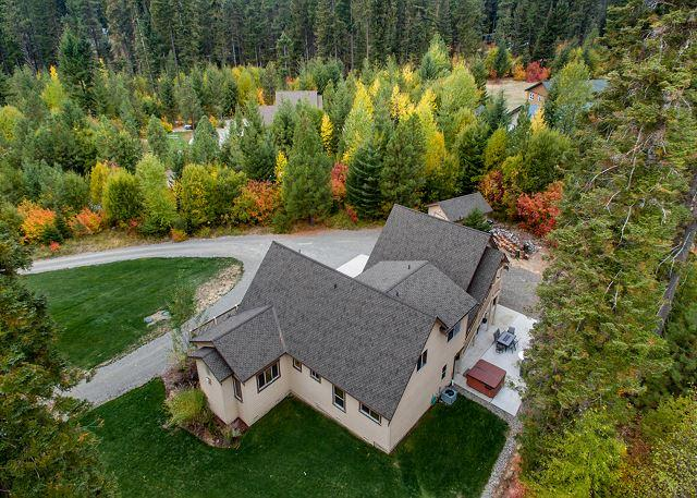 Spectacular Private 5BD Home Near Suncadia|Hot Tub, Heated Game Room | Slps14 - Image 1 - Cle Elum - rentals