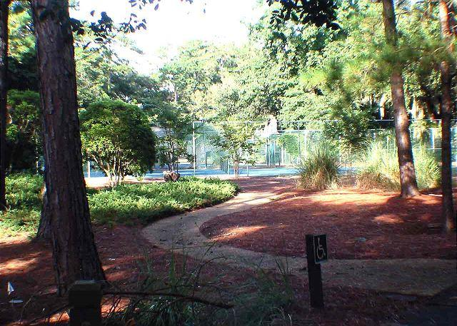 Lake Forest 3320 - One Level Condo w/ private screened porch - Image 1 - Hilton Head - rentals