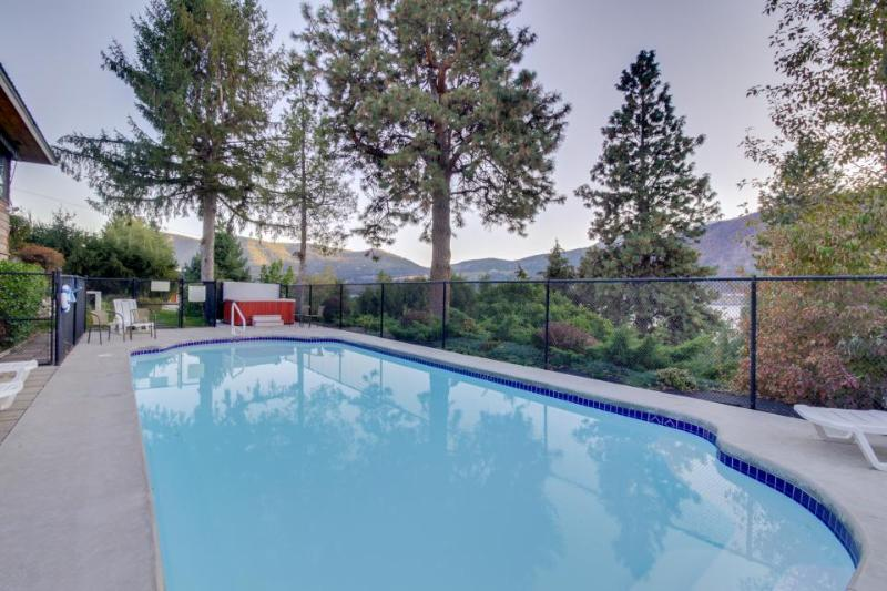 Lakefront home w/ private hot tub, seasonal private pool, & game room! - Image 1 - Manson - rentals