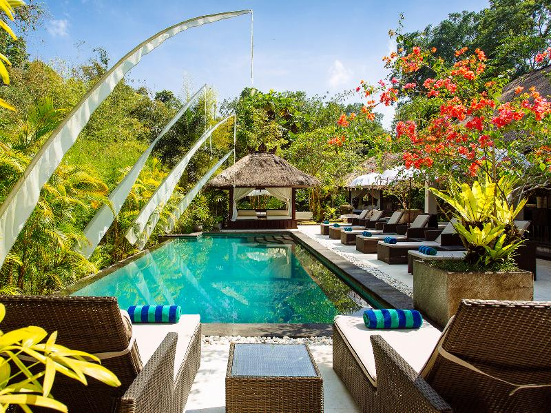 Villa Maya Retreat - Sun loungers round the pool - Villa Maya Retreat - an elite haven - Tabanan - rentals