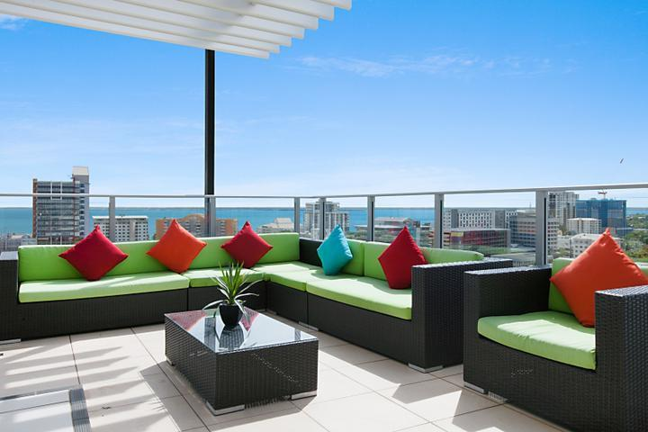 Darwin Executive Penthouse & FREE CAR 3 Bed - Sleeps 8 - Image 1 - Darwin - rentals