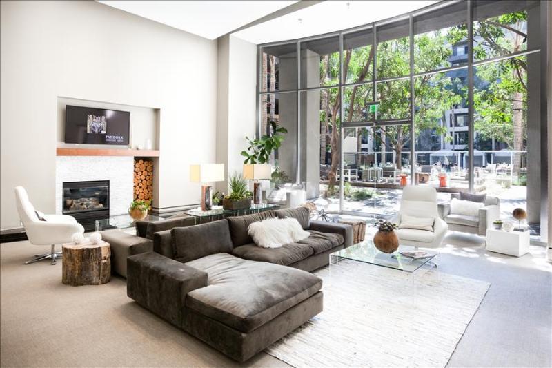 SANTA MONICA COLORADO: 1 BR Corporate and vacation Suites - Image 1 - Marina del Rey - rentals