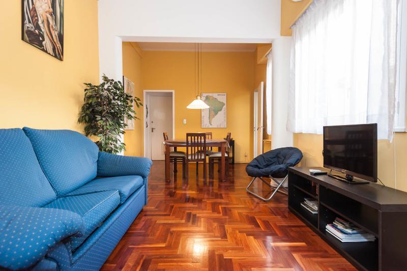 Living Room - Quiet Art Deco Apartment in Recoleta - Buenos Aires - rentals