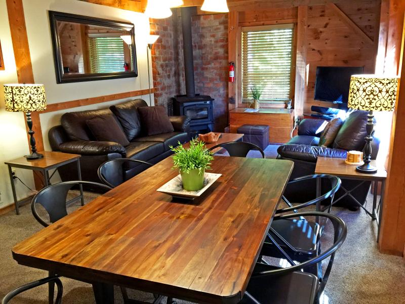 Welcome to The Cabin at Killington! - The Cabin at Killington: Right Unit. Awesome. Ski. - Killington - rentals