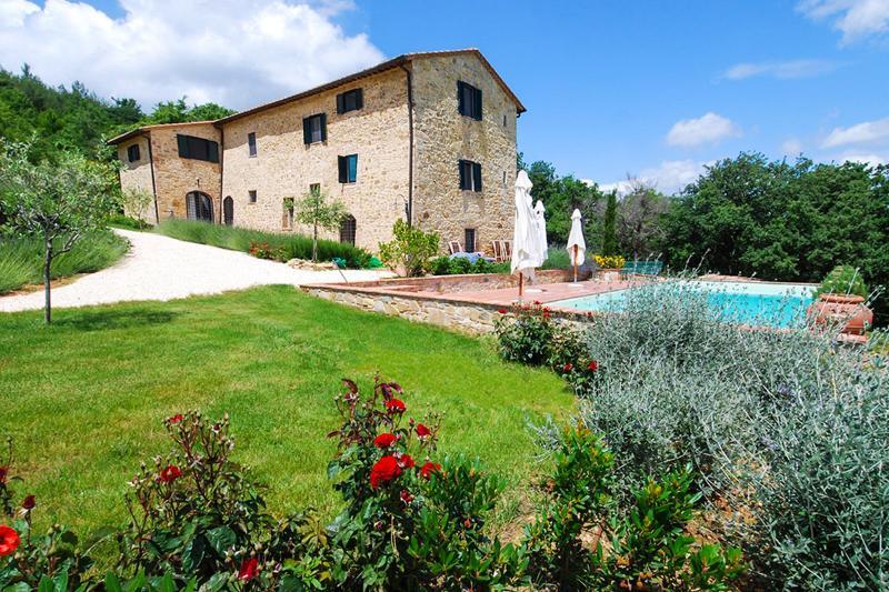 Villa Salute, Sleeps 10 - Image 1 - Siena - rentals