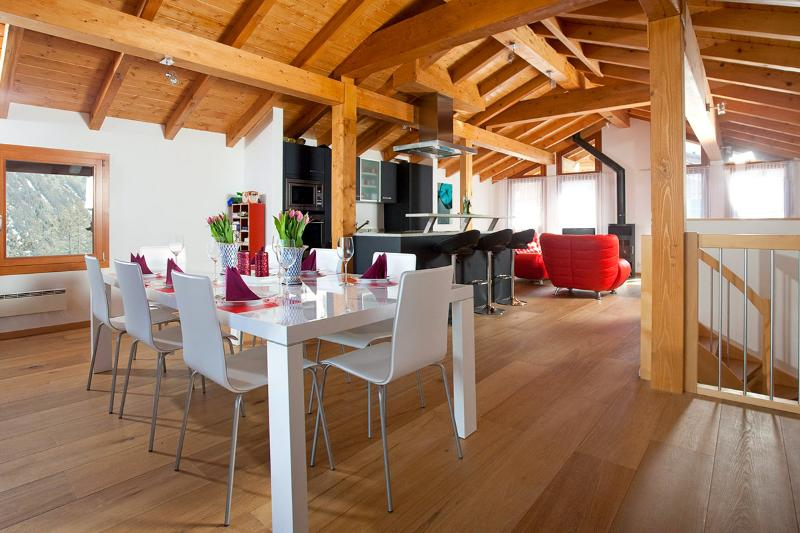 Le Grand Deux Chalet, Sleeps 10 - Image 1 - Saas-Fee - rentals