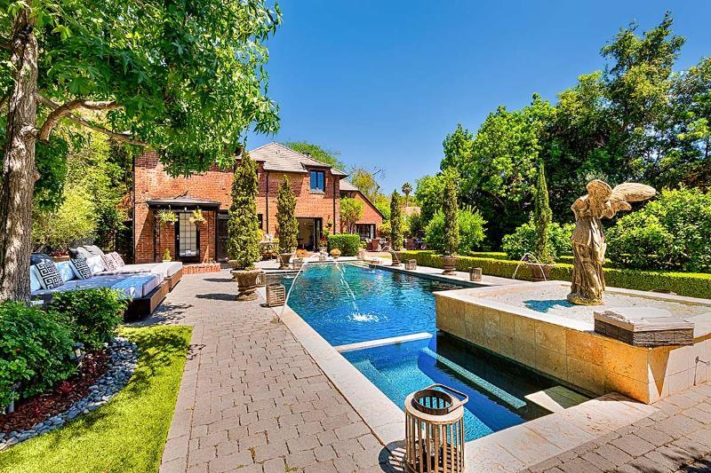 Hancock Park English Estate, Sleeps 8 - Image 1 - Los Angeles - rentals