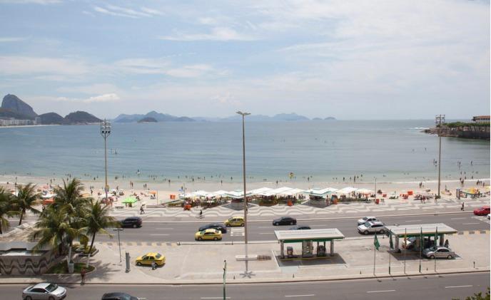 3 bedroom Oceanfront Apartment in Copacabana (322) - Image 1 - Rio de Janeiro - rentals