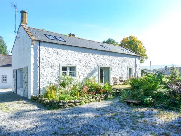 THE OLD COACH HOUSE, en-suite, private garden, pet-friendly, in Moniaive, Ref 14027 - Image 1 - Moniaive - rentals