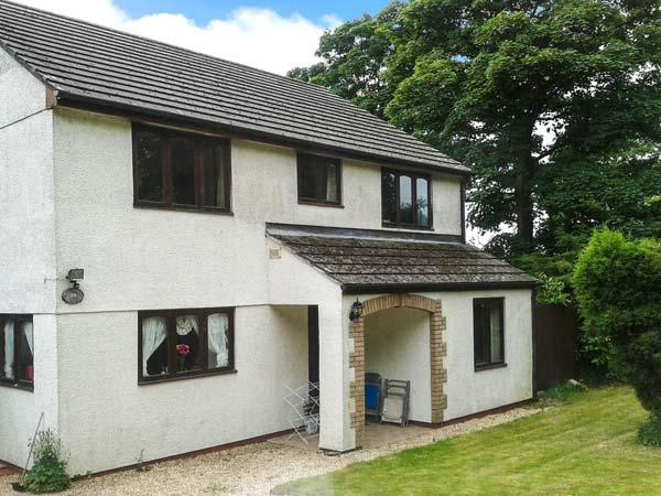 BROOKFIELD, pet friendly, country holiday cottage, with a garden in Tregony - Image 1 - Tregony - rentals