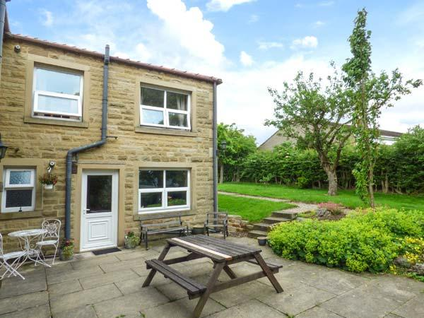LAUREL BANK COTTAGE, pet friendly, country holiday cottage, with a garden in Embsay, Ref 803 - Image 1 - Embsay - rentals