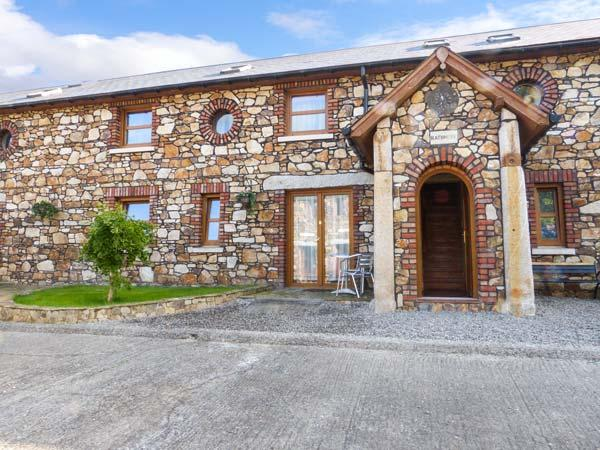 STABLES NO. 3 all ground floor, romantic retreat, open plan living in Ashford - Image 1 - Northern Ireland - rentals
