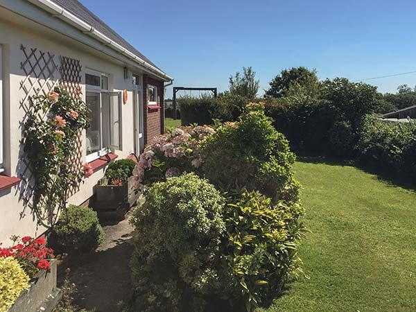 BILLANY, first floor apartment with WiFi, parking, country views, in peaceful location near Dartington, Ref. 926817 - Image 1 - Dartington - rentals