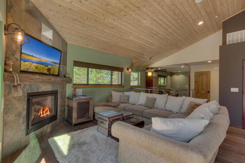 Meadow Beach Basecamp - Modern Luxury, Walk To Lake, Spa, Wifi, Grill - Image 1 - South Lake Tahoe - rentals