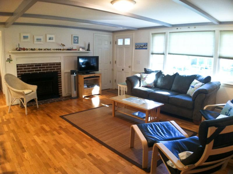 Living area - Close to Bike Bath & Taylor's Pond - CM0269 - Chatham - rentals