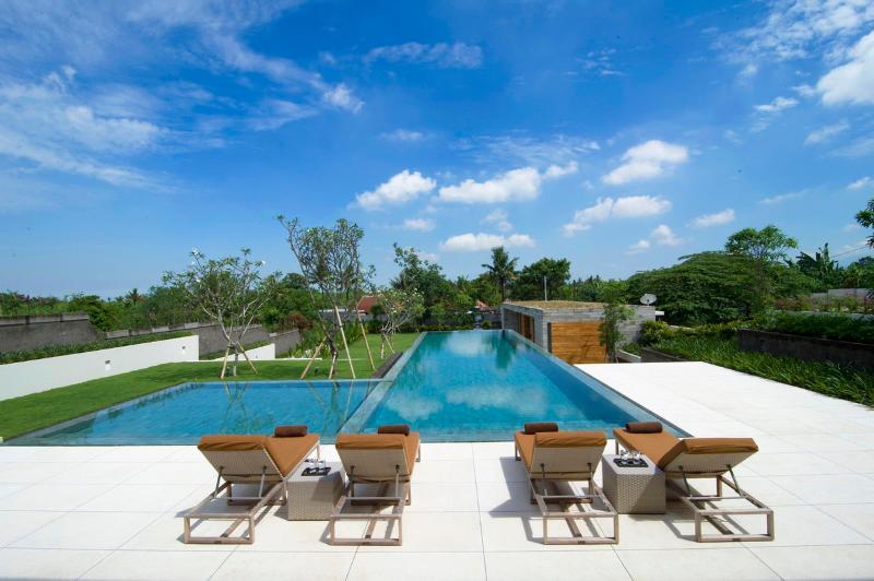 Canggu Villa 3262 - 5 Beds - Bali - Image 1 - Canggu - rentals