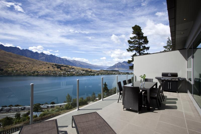 Queenstown Villa 660 - 4 Beds - New Zealand - Image 1 - Queenstown - rentals